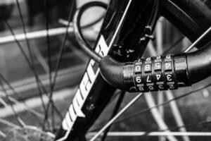 Se till att ha ett bra och godkänt lås för att din försäkring ska kunna gälla om din cykel blir stulen.